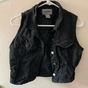 Jackets & Blazers - 💎3/$20 Black Cropped Denim Vest